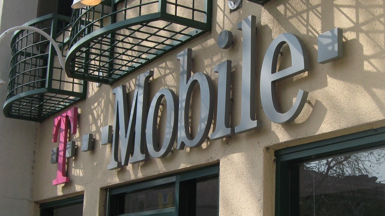 T-Mobile: Lack of iPhone 4S to lure customers away during holiday quarter