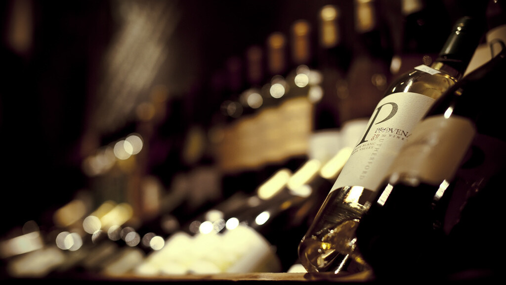 Hello Vino 2.0 lets you snap photos of wine bottles for smart recommendations