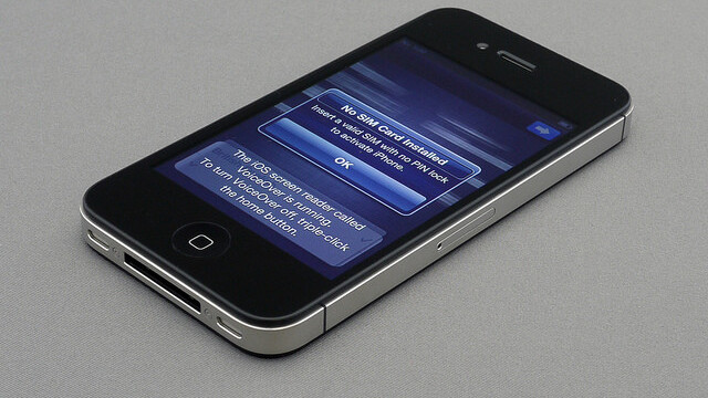Taiwanese iPhone 4S preorders surpass 380,000 units, break records