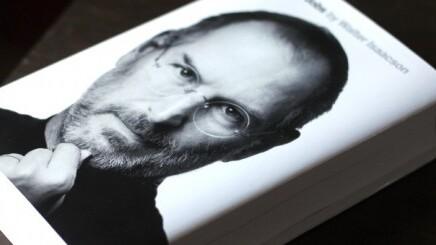 Steve Jobs biography hits top spot on Amazon's 2011 best-seller chart