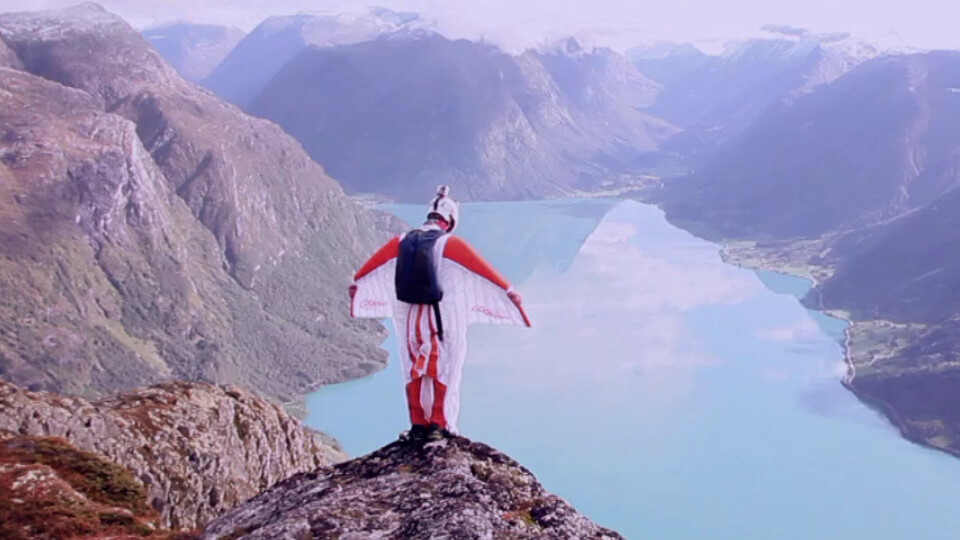 Watch The World's Fastest Flying Human Being