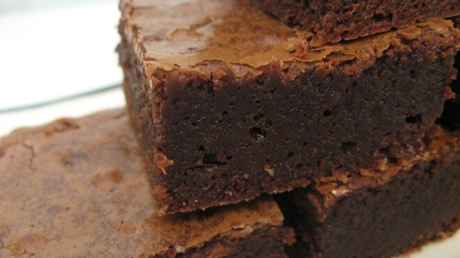 Guys: MoreBrownies lets you pick gifts for her, then have them delivered on time