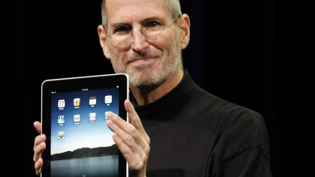 Find Apple keynotes on Stevenote.tv, a tribute to Steve Jobs
