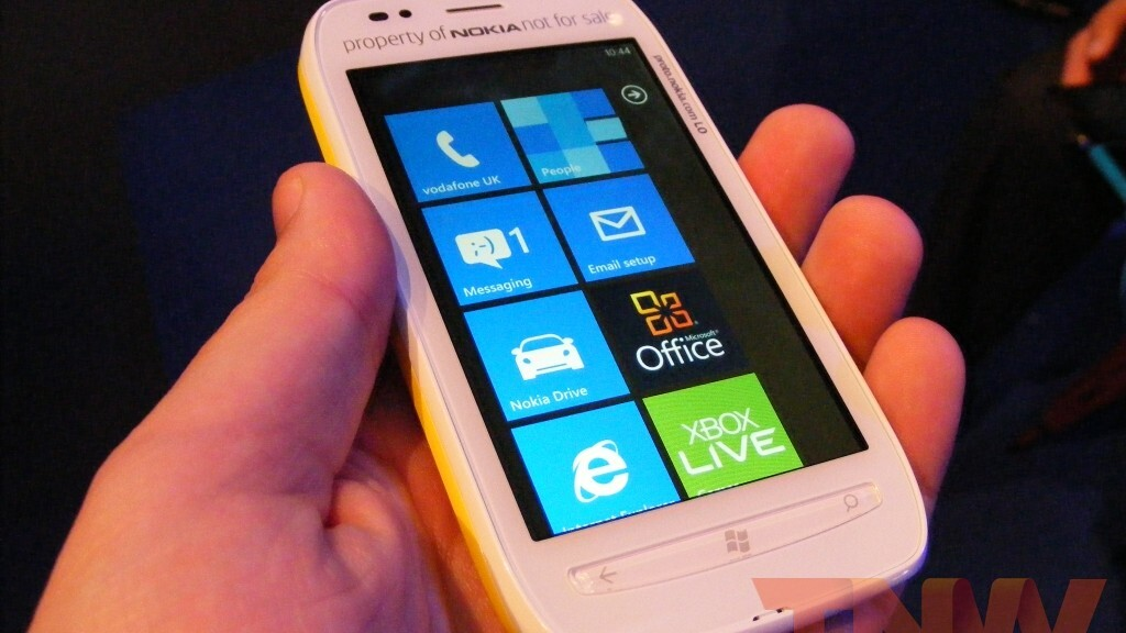 Nokia begins shipping Lumia 710 in Taiwan, will roll out globally in 'coming weeks'