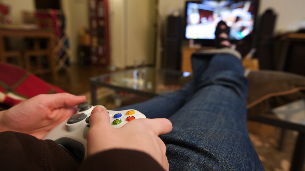 This controller turns your iOS device into a true gaming machine