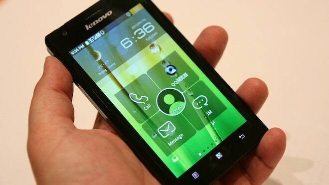 First hands-on with the Lenovo K800 running Intel's Medfield [Video]