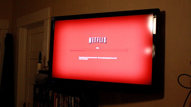 Netflix is back on track in 2011's last quarter, but the transition from DVD continues