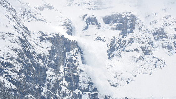 Watch this guy get rescued by his friends after being buried by an avalanche [video]