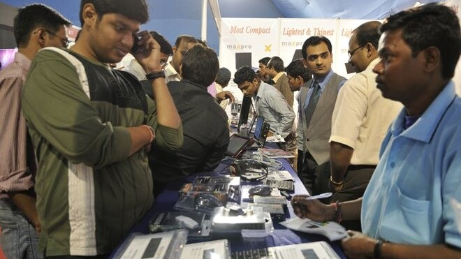 Smartphones on the rise in India after record sales, shipments in 2011