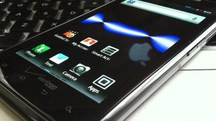 Droid Razr Maxx said to have 24 hour battery; will be at Verizon on 1/26 for $300