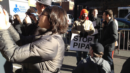 Reddit Cofounder, Alexis Ohanian speaks out against SOPA and PIPA [Video]