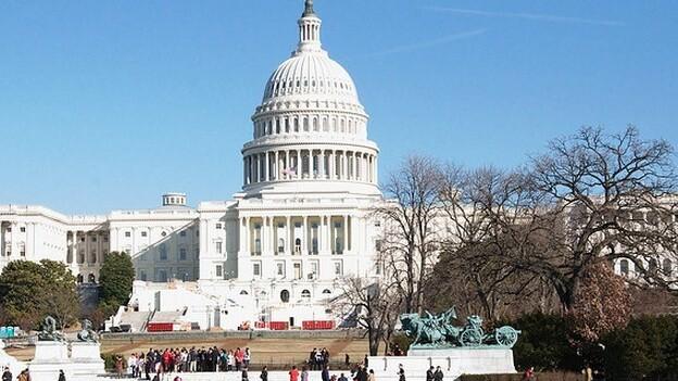US Senate votes 76-22 to limit debate on JOBS Act, move bill forward