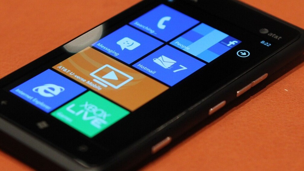 How many Lumia 900s does Nokia have to sell in the US to declare success?