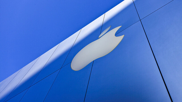 Apple's share price tops $600 for the first time in the company's history