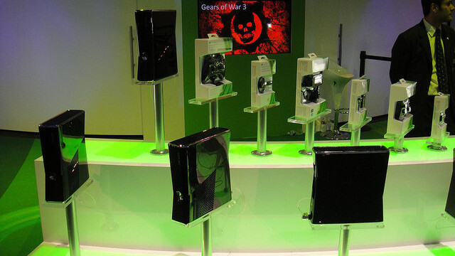 Microsoft's next-gen Xbox will reportedly drop disc drives, launching in 2013