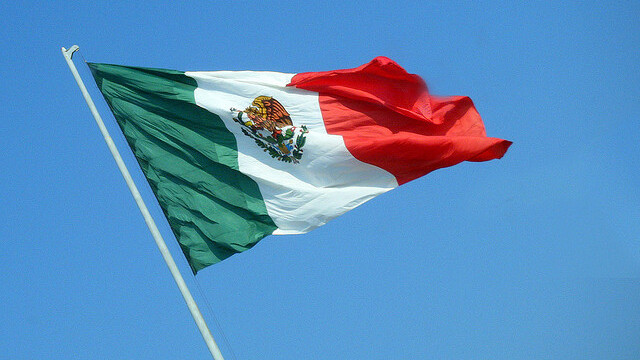 Mobile app Yumbling goes beyond check-ins to augment Mexicans' reality