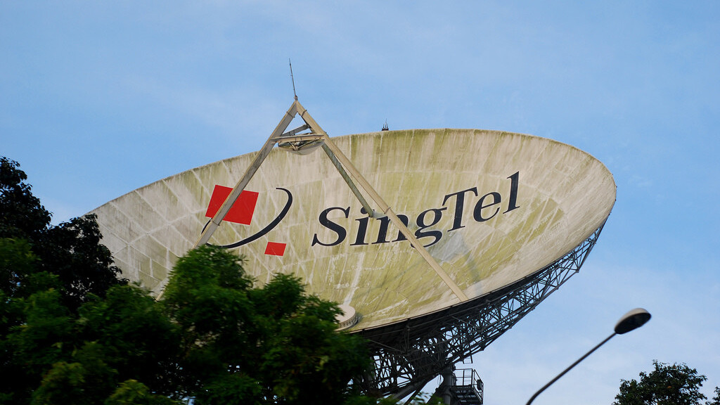 Mobile games giant GREE inks carrier billing deal with SingTel, its first outside of Japan