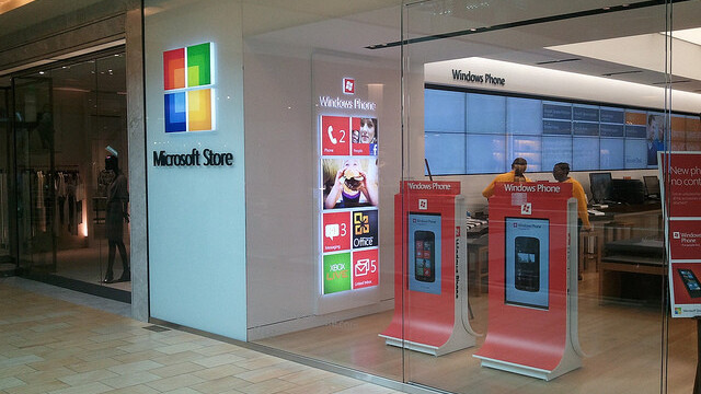 Microsoft partners with Barnes & Noble in $300 million e-reading investment