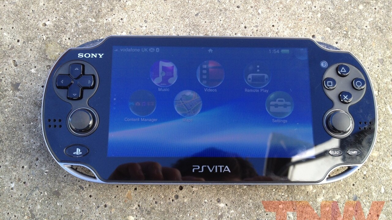 Skype launches on the PlayStation Vita, brings video calls to your gaming handheld
