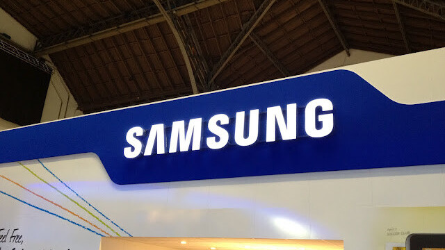 Samsung eyes Apple's retail success, plans store expansion in Canada