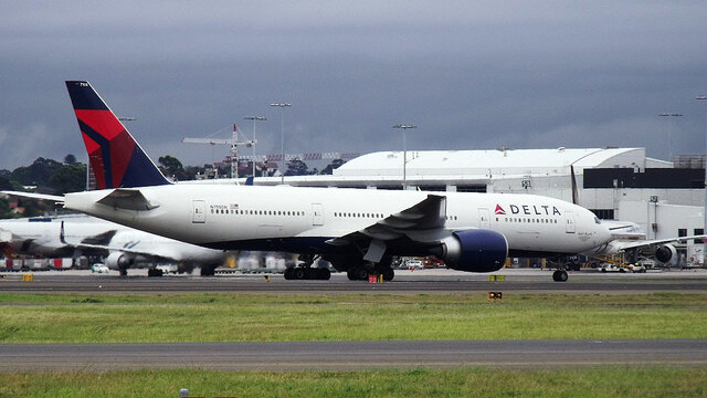 Delta calls cops on Viber founder for using VoIP app on plane