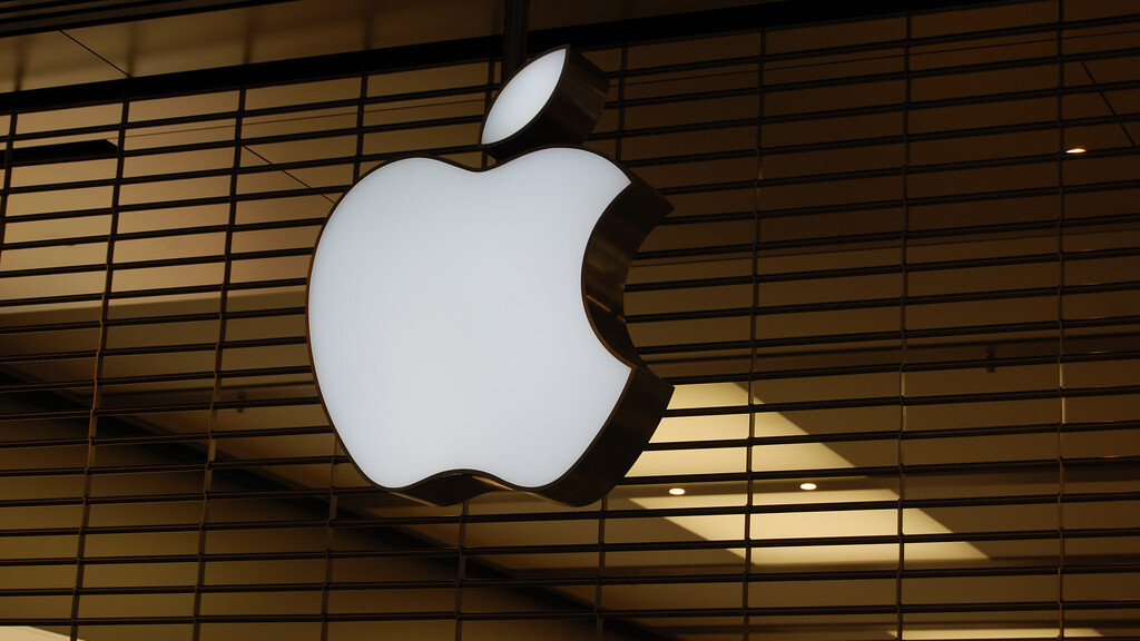 Having problems using iMessage? Apple says an update to fix the issue is coming real soon.