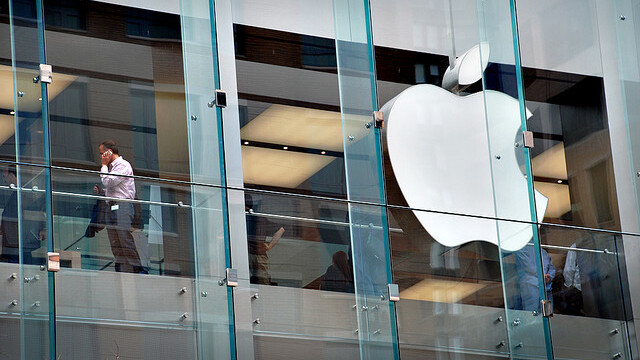 Brazilian court presses Apple to unlock lawyer's iPhone, bought in the US