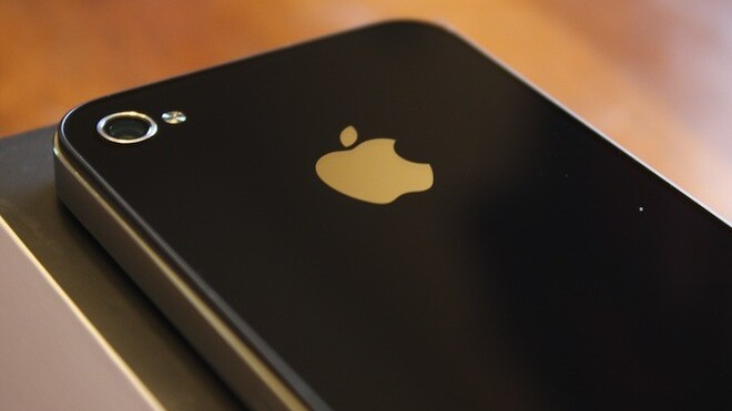 Survey: iPhone users rank highest in terms of carrier and smartphone loyalty