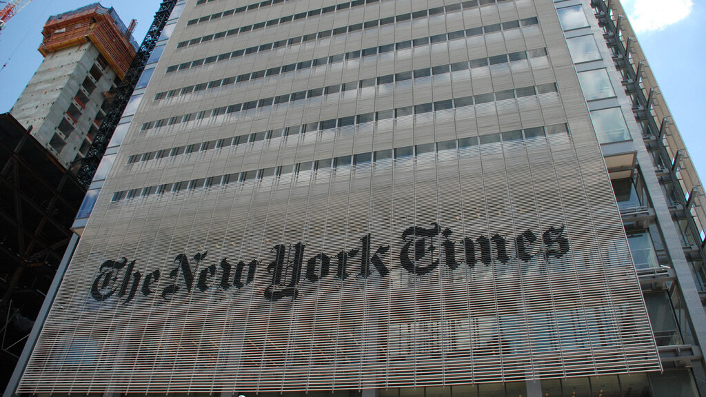 Trouble on day one: The New York Times China's Sina Weibo account gets suspended [Updated]
