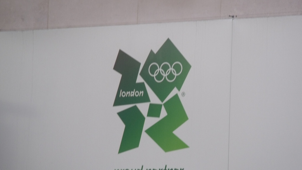 """Olympic officials ask Londoners to """"take it easy"""" using phones following TV broadcast issues"""