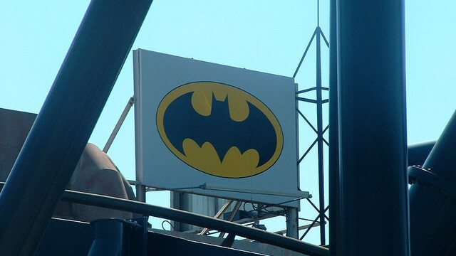 """""""The Dark Knight Rises"""" on pace to beat """"The Avengers"""" in advance sales, says Fandango"""