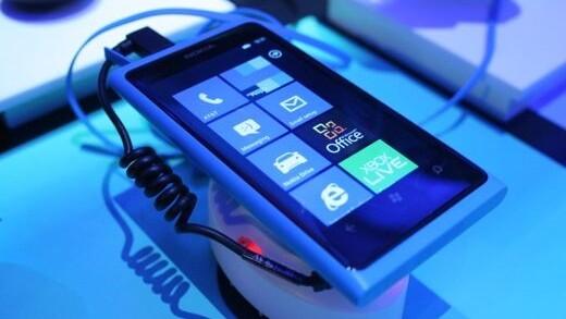 Nokia's Elop talks Windows Phone, knocks physical keyboards, explains Symbian's demise