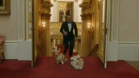Watch: James Bond escorts The Queen to the 2012 Olympic Games