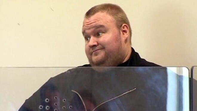 Watch: The moment Kim Dotcom's mansion got raided by police