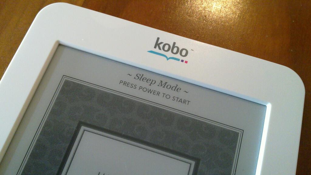 Japanese retailer Rakuten botches Kobo Touch launch, leaving opportunity for Amazon's Kindle
