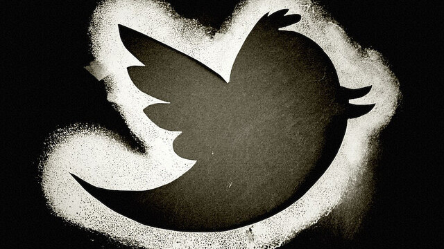 "The NY Times reports Apple is considering investing ""hundreds of millions"" in Twitter!?"