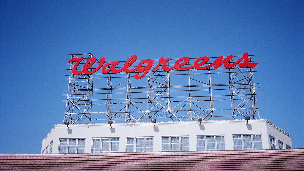 Kicksend teams up with Walgreens to let US users order photo prints from their iPhone