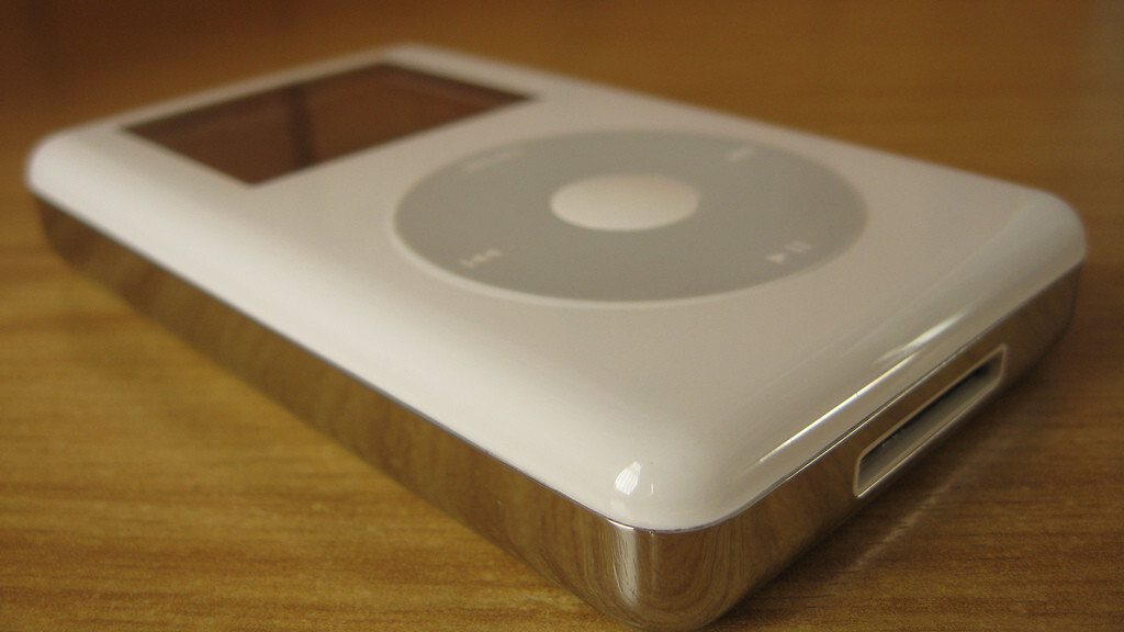 Apple sued for allegedly infringing on media playback patents it discussed licensing in 2002