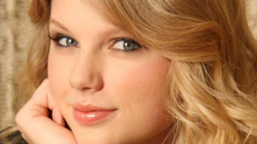 """4Chan rigs """"Taylor Swift Sing on Your Campus"""" contest which could see her performing at a DEAF school."""