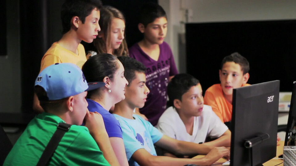Coderise will teach kids how to code in developing nations, starting with Colombia