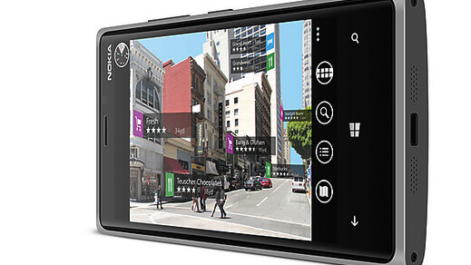 Report: Nokia to start selling its new flagship Lumia 920 phone in Europe in November