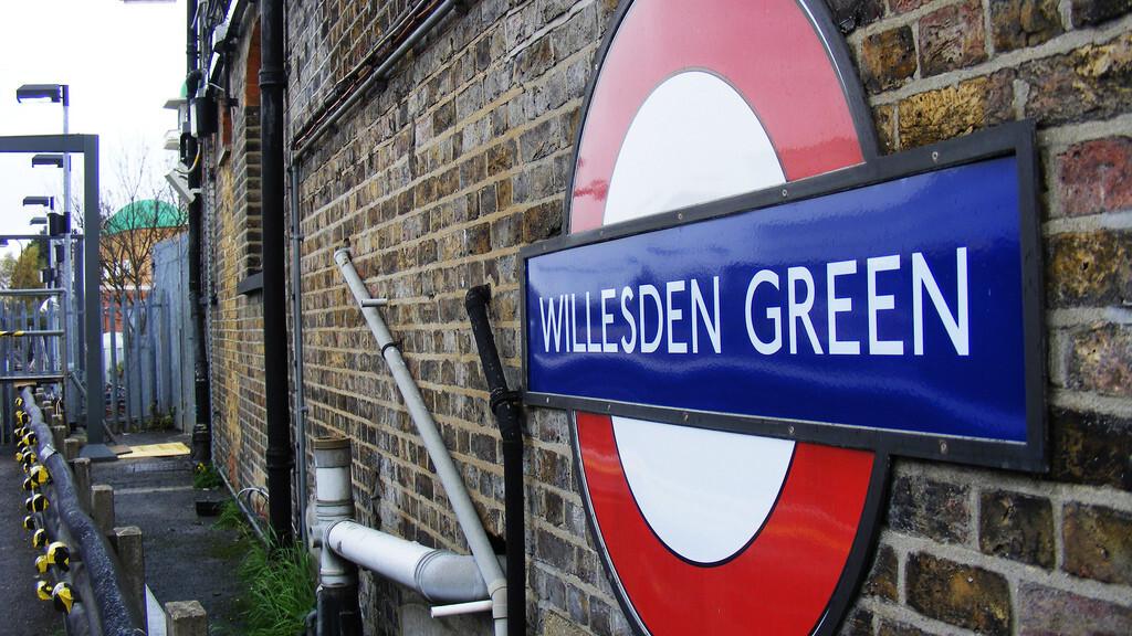 Virgin Media to extend free London Underground WiFi access until 2013