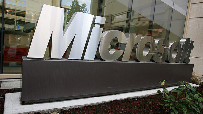 Microsoft's Surface line of tablets to go on sale at midnight, October 26th