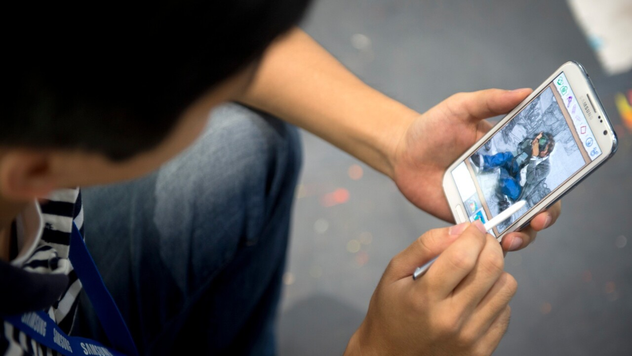 Review: The Samsung Galaxy Note II is a promising, if not perfect, mix of tablet and phone