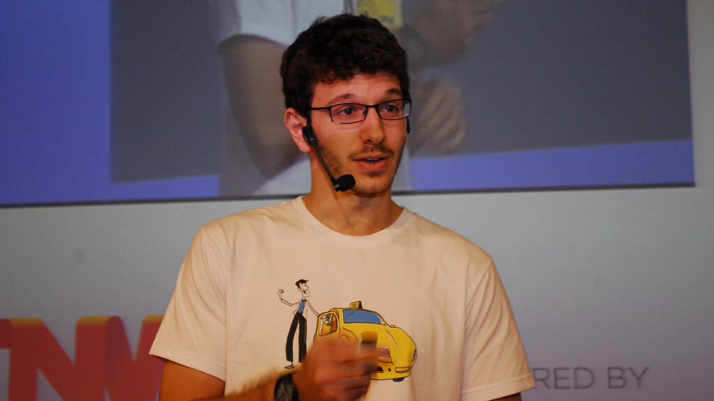Brazilian taxi booking startup ResolveAÍ: Beyond 21212's first Demo Day