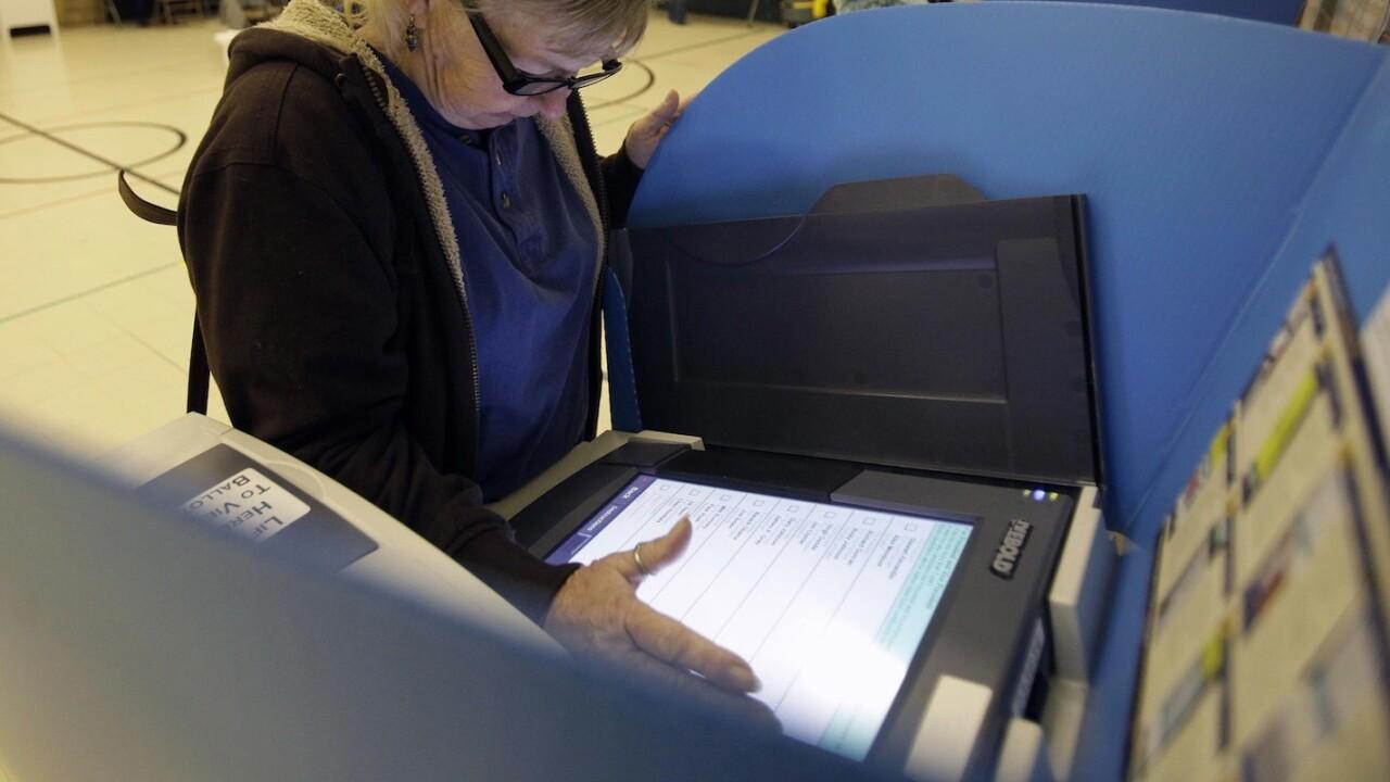 Reddit user captures video of 2012 voting machines altering votes [Update: Confirmed]