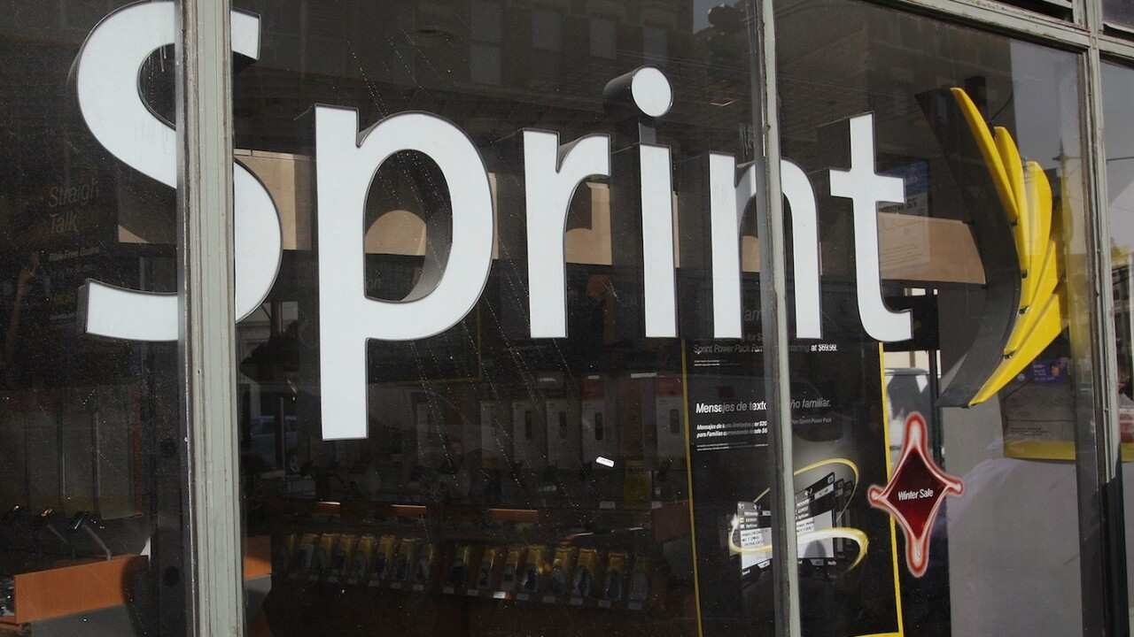 Sprint buys spectrum and 585,000 customers from U.S. Cellular for $480m in cash