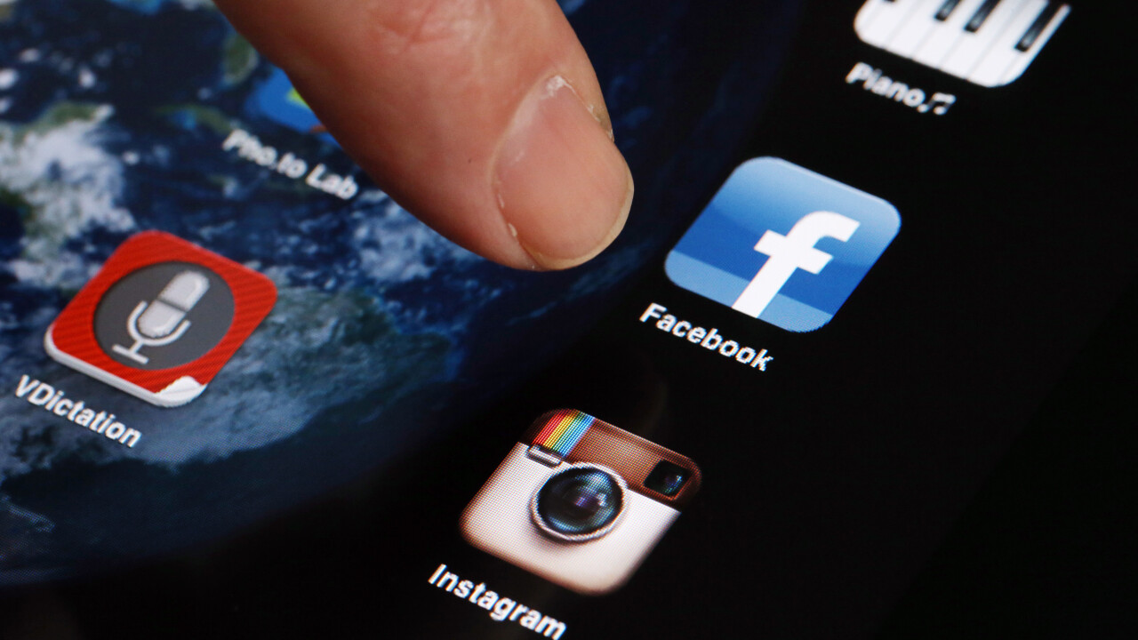 Report: Half of people that use social networks do so from mobile, Asia leads the way
