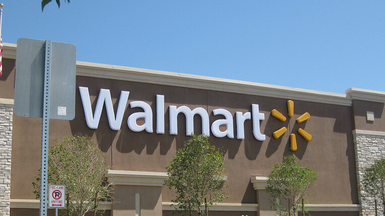 Watch: iPads in flight, or a cautionary tale about shopping at Walmart