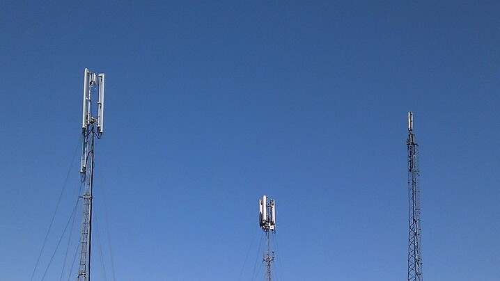 UK Ministry of Defence to auction excess radio spectrum in 2014, likely helping to boost 4G networks